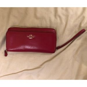 Coach Accordion Leather Wallet - Red